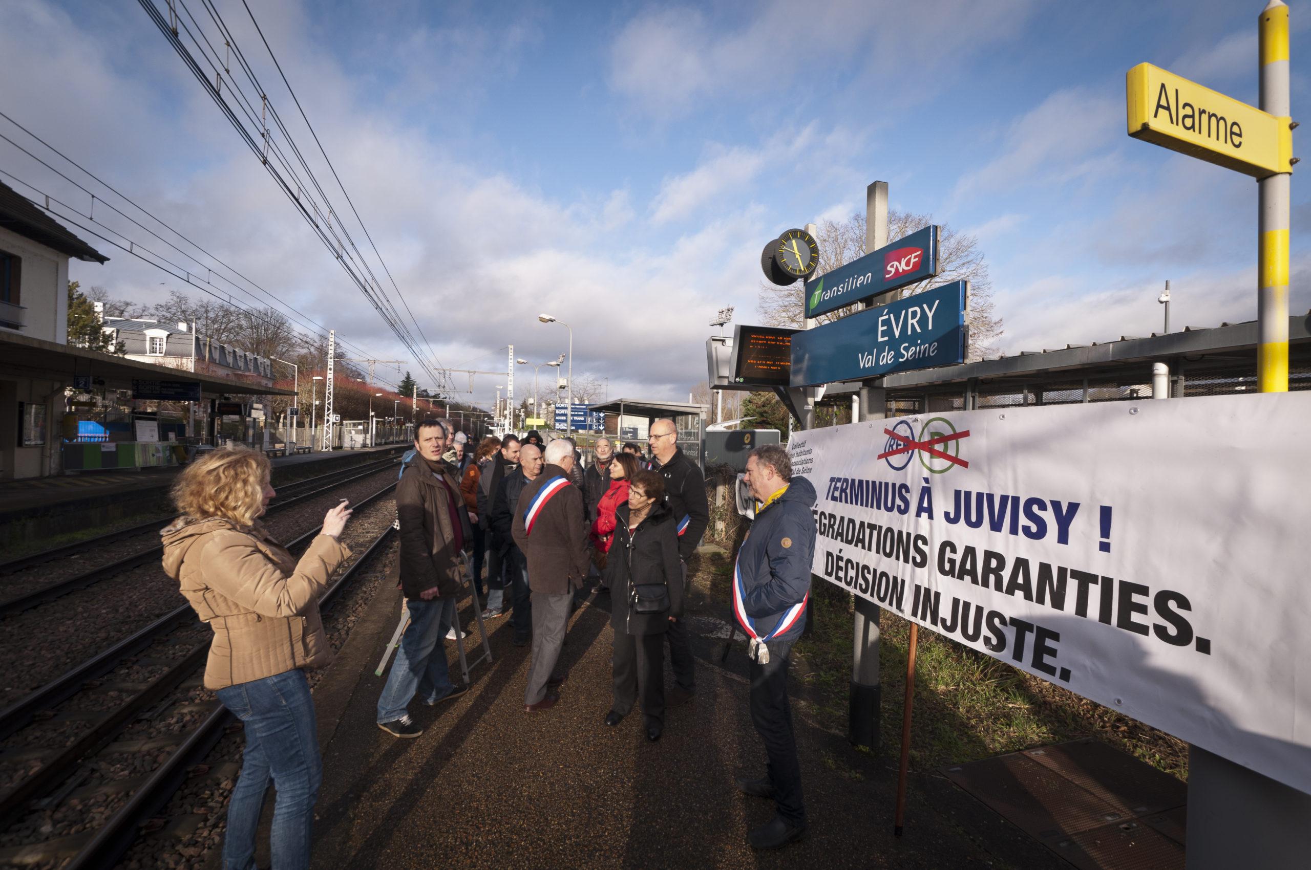 RER D : Retour sur la manifestation du 21 décembre à la gare Évry Val de Seine
